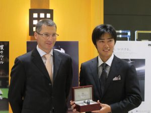 Pierre Dubois, CEO of Pierre DeRoche, presented Tsuyoshi Wada with a GrandCliff TNT Royal Rétro