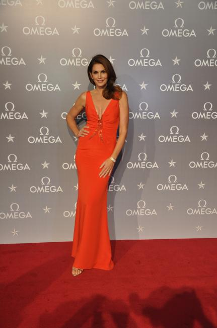 Cindy Crawford joins OMEGA in Santiago for opening of new boutique.