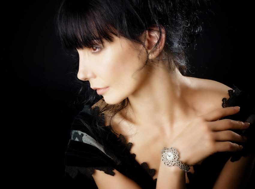 Tamara Rojo with a Backes & Strauss Victoria Princess watch