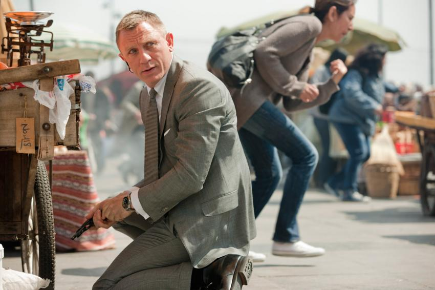In SKYFALL, Bond wears the steel-on-steel OMEGA Seamaster Planet Ocean