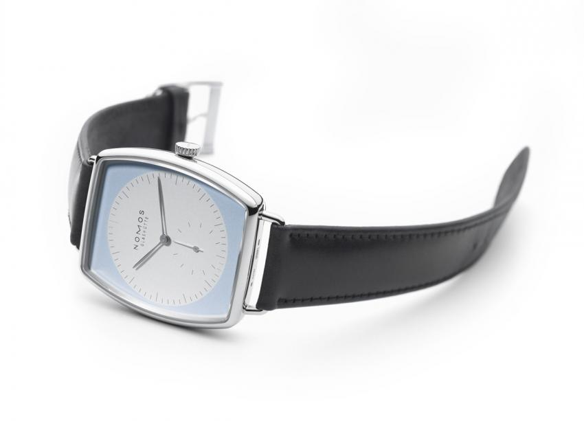 NOMOS Glashütte Lux Weißgold with a light blue dial in a white gold case