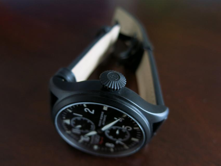 The big crown on the Panzera Flieger 47 is another typical pilot's watch feature.