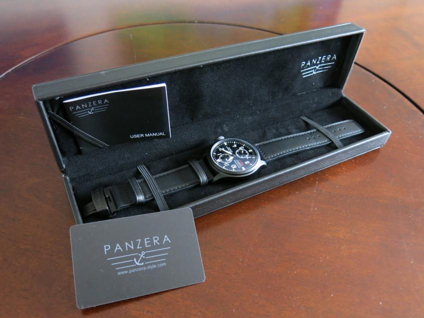 Panzera Flieger 47 in its box