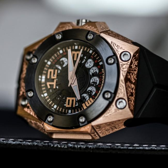 The latest Linde Werdelin diver's watch is the Oktopus Moon Tattoo.
