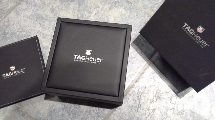 Packaging of a TAG Heuer