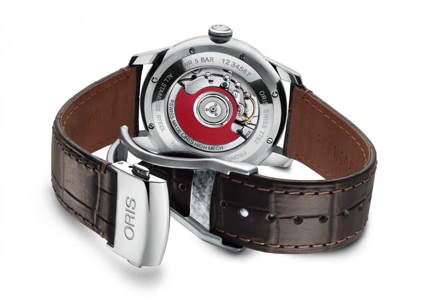 The see-through back reveals the Oris automatic mechanical movement 917, based on SW300