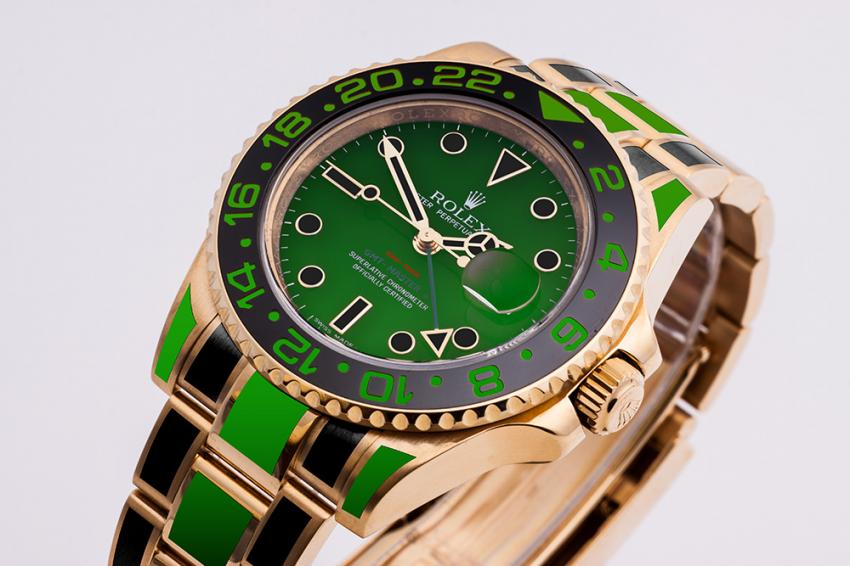 Rolex Oyster GMT Master II in gold customized using black and green COLORMANTAN