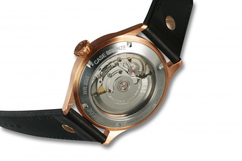 The back of the ARCHIMEDE Pilot 42 Bronze