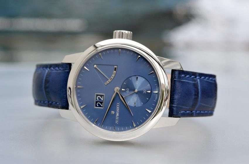 The 273° with patented big date display and power reserve indicator is the flagship model of Zeitwinkel.