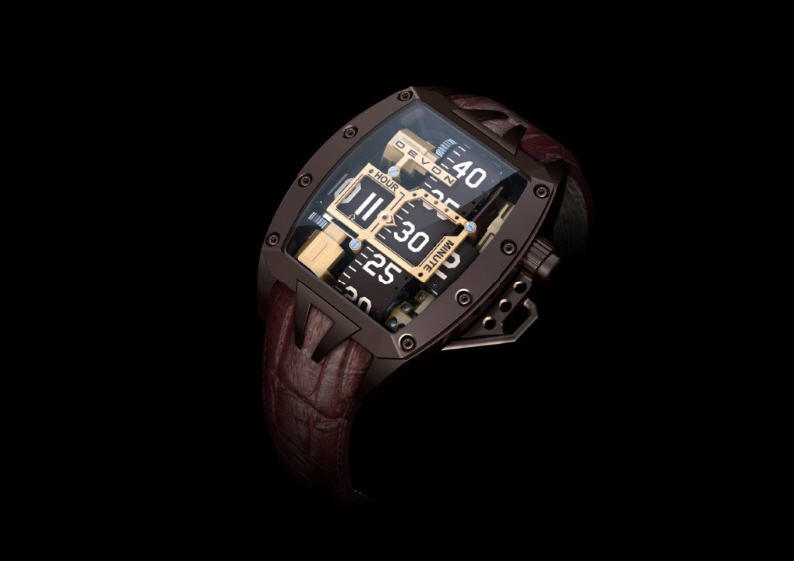 The Tread 2 Godiva is coated with dark chocolate brown PVD.