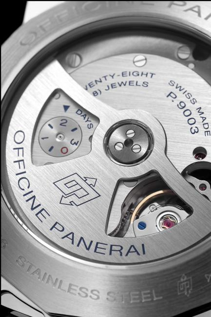 The redesigned power reserve indicator of the P.9003 calibre