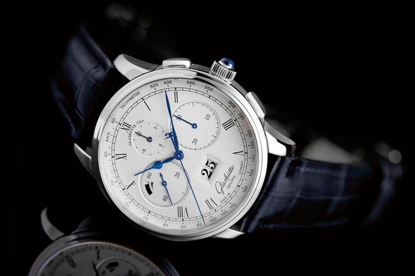 The platinum version of the Chronograph Panorama Date