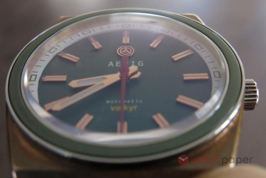 A closer look at the green Valkyr dial.