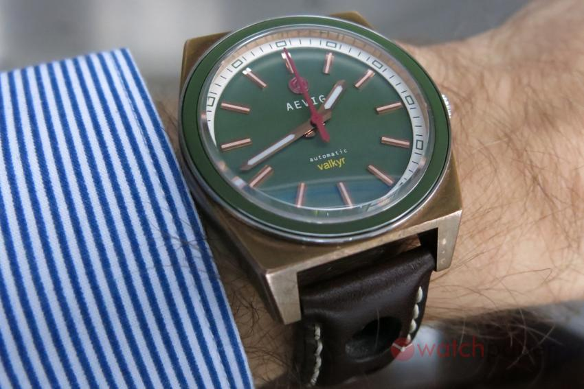 AEVIG Valkyr on the wrist.