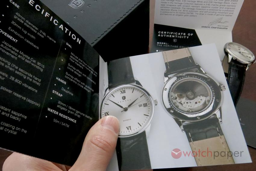 The manual and the warranty card of the Erroyl E30 Heritage White