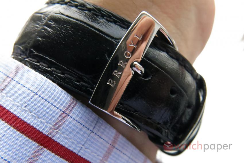 The engraved buckle of the Erroyl E30 Heritage