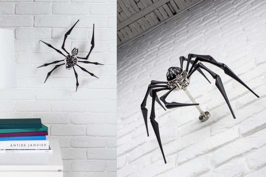 Under its belly Arachnophobia hides an innovative system that can be used to hook it to a bracket and hang it on a wall.