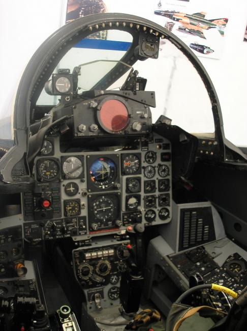 F4-Phantom cockpit