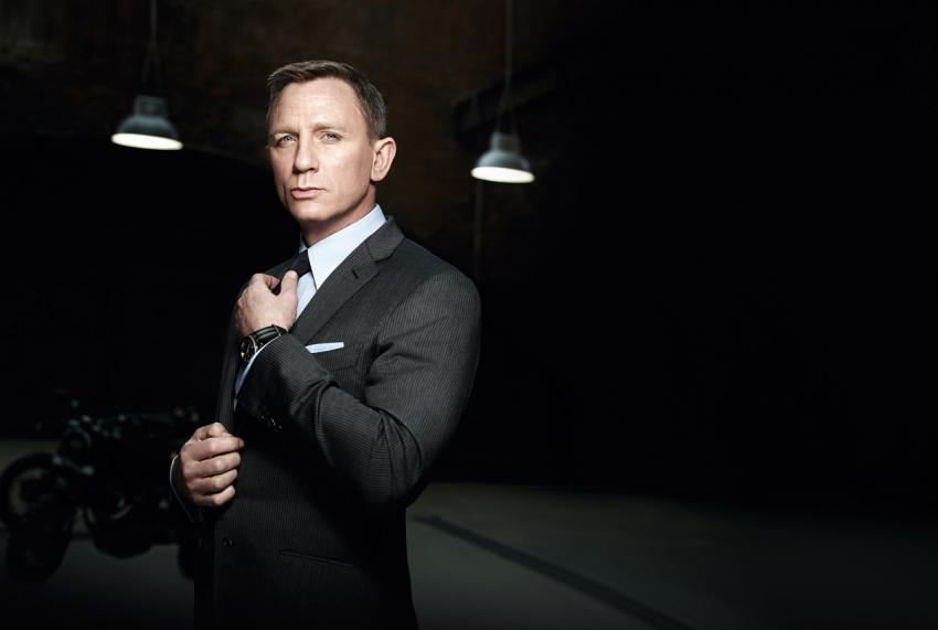 In SPECTRE, Daniel Craig was sporting an Omega Seamaster 300 prototype.