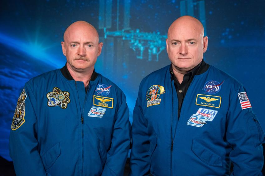 Mark Kelly along with his brother, NASA Expedition 45/46 Commander, Scott Kelly (Photo credit: NASA/Robert Markowitz)