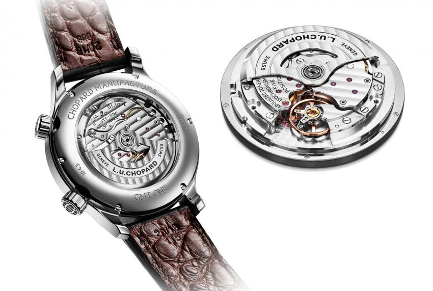 The Chopard L.U.C GMT One is powered by the self-winding Calibre L.U.C 01.10-L (31 jewels, 28,800 vph, 60 hours of power reserve)